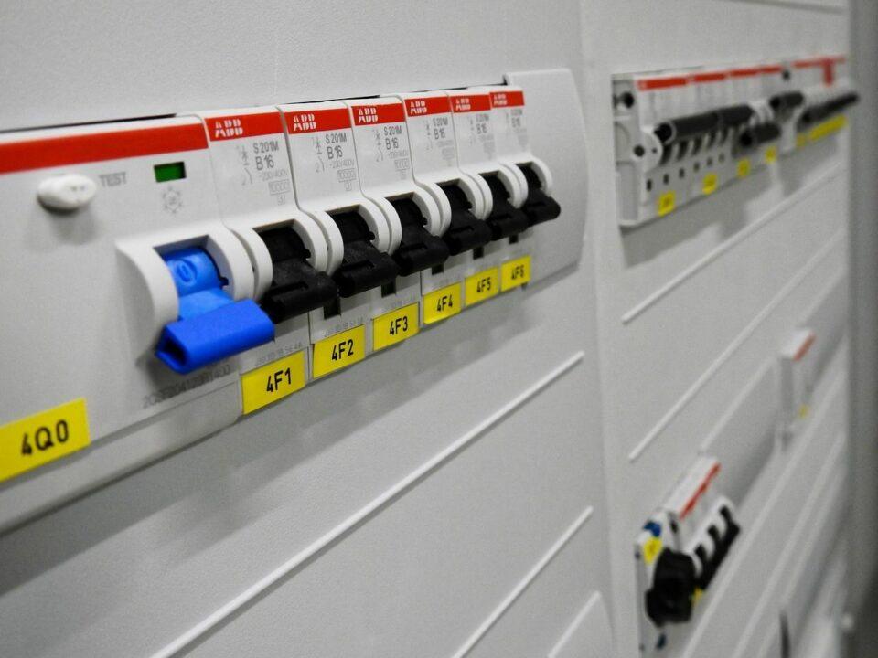 Breng de (her)keuring van jouw elektrische installatie tot een succes