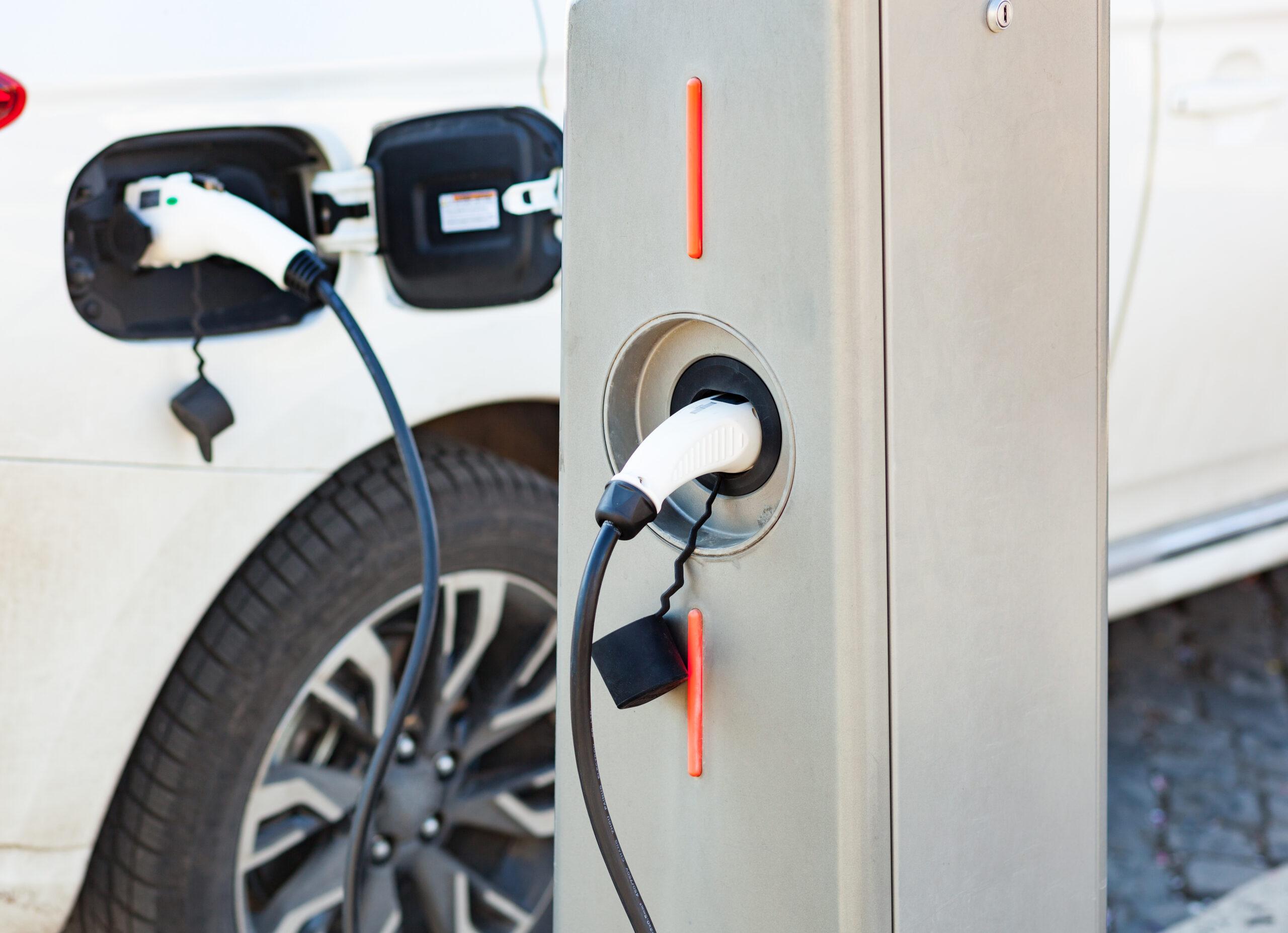 Een laadpaal voor je elektrische of hybride wagen